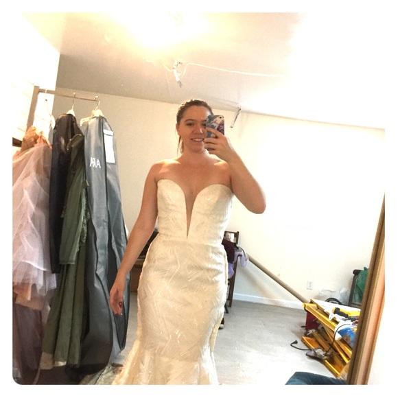 Aria Dresses & Skirts - Aria Wedding Dress